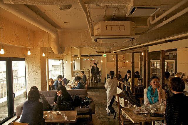 A to Z cafe の内観