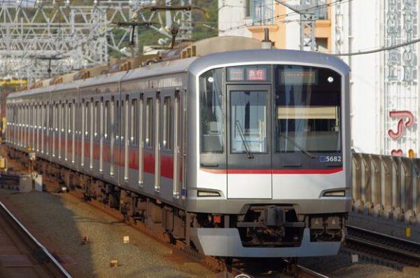 東急東横線の様子